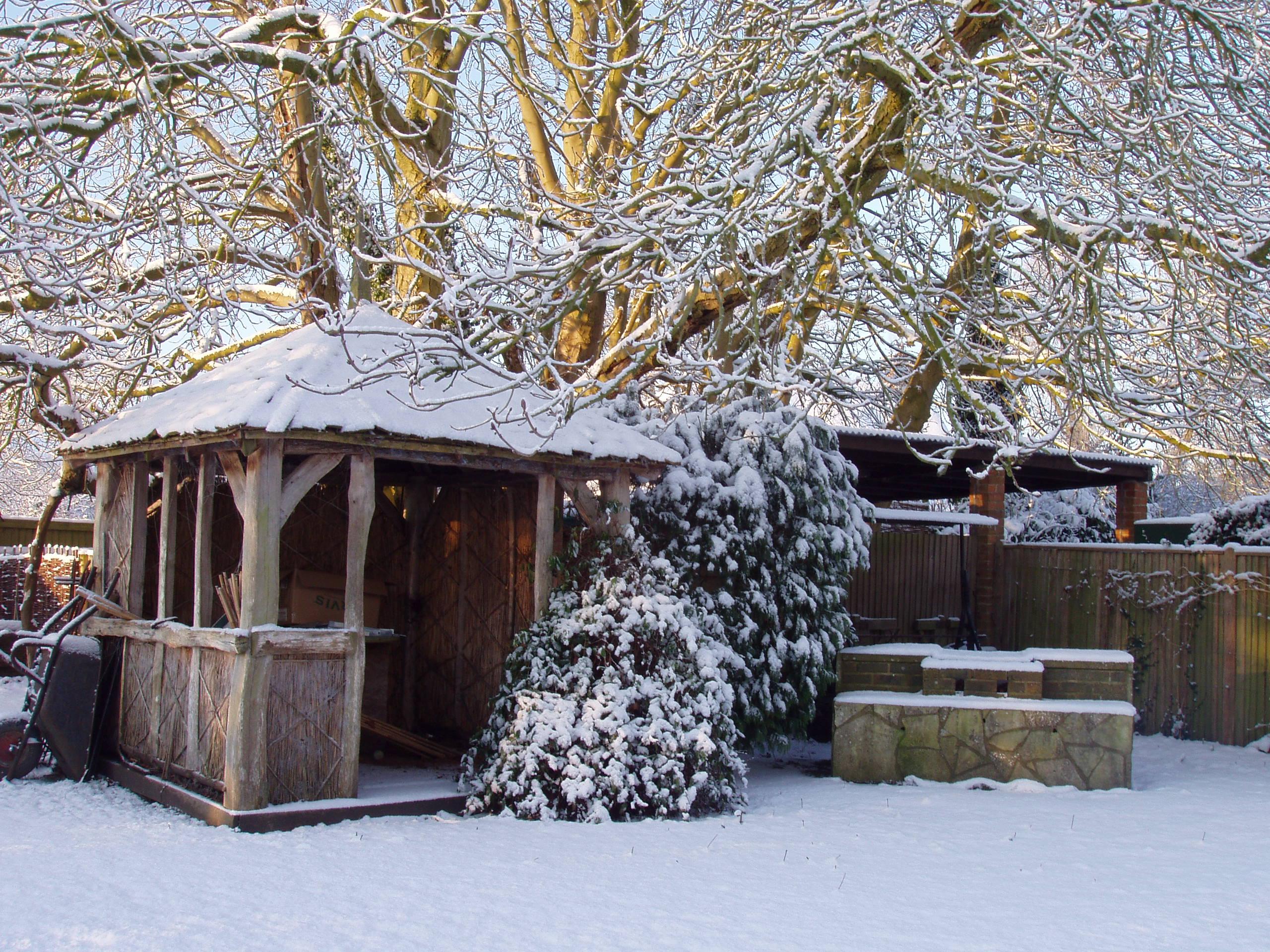 Winterborne Zelston Fencing Summer Houses & Buildings