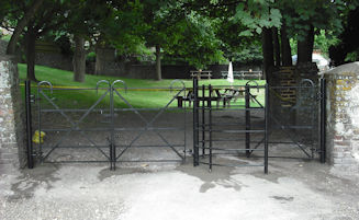 Metal Fencing & Gates
